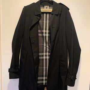 Burberry men's Kensington trench coat